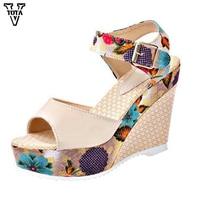Sweet Summer Women Sandals 2016 Fashion High Heeled Shoes Thick Heel Sandals Fish Head Waterproof Platform