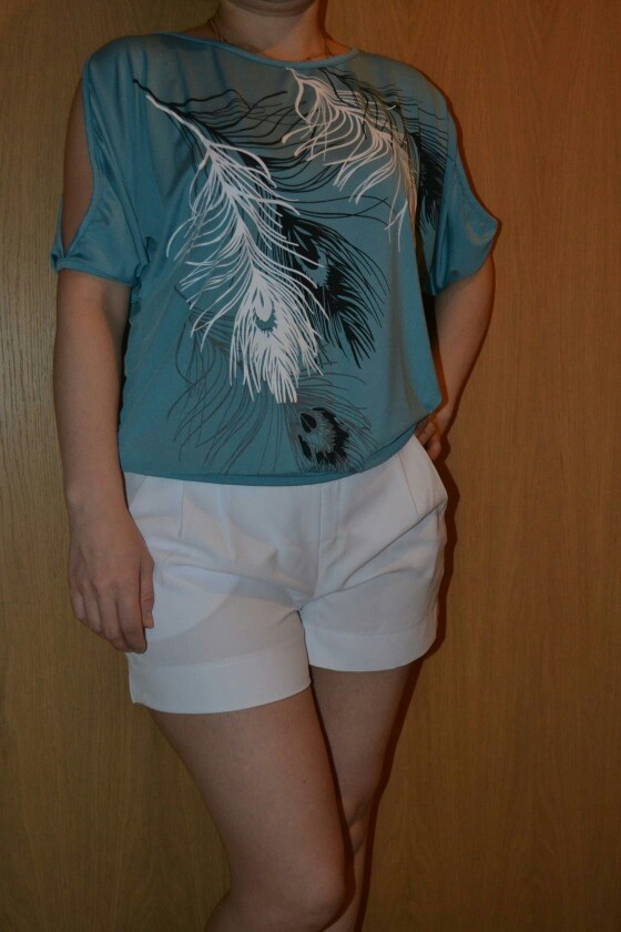 HTB1rHJqSXXXXXcSXXXXq6xXFXXXK - Summer Women Feather Printed T-shirts O- neck Strapless Shirts Off Shoulder