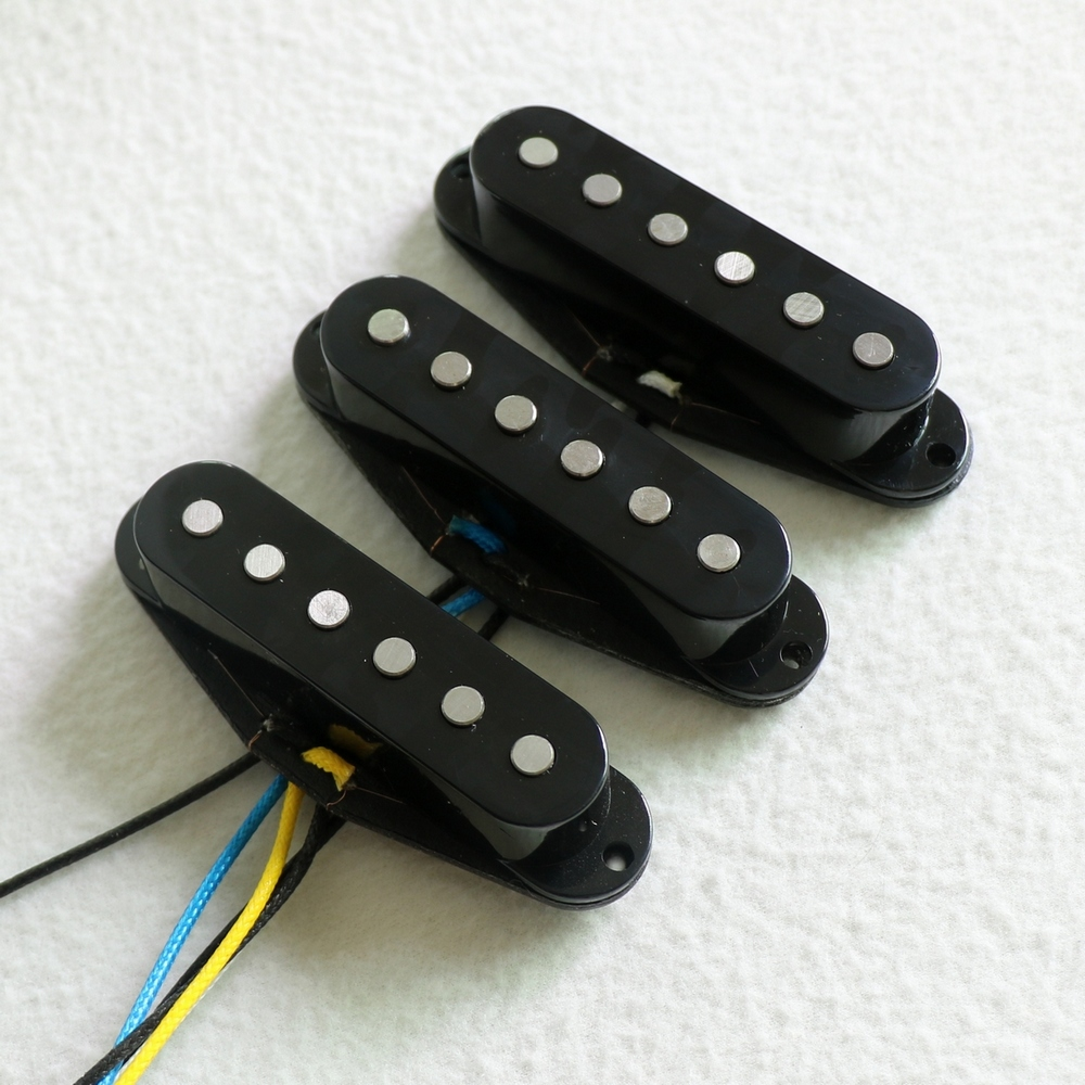 Free Shipping A Set High Output vintage single coil guitar pickups 60 s style Alnico 5
