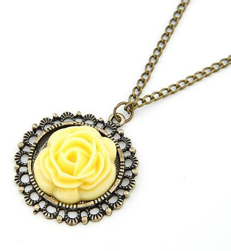 Fashion Special Retro Palace Warm Sweater Chain Necklace Yellow Rose Flower Pendant Necklaces