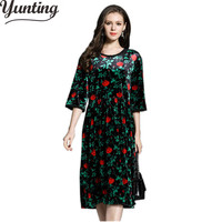 Winter Dress 2017 Vintage Floral Embroidery Green Velvet Dress Women Sexy O Neck Evening Party Loose
