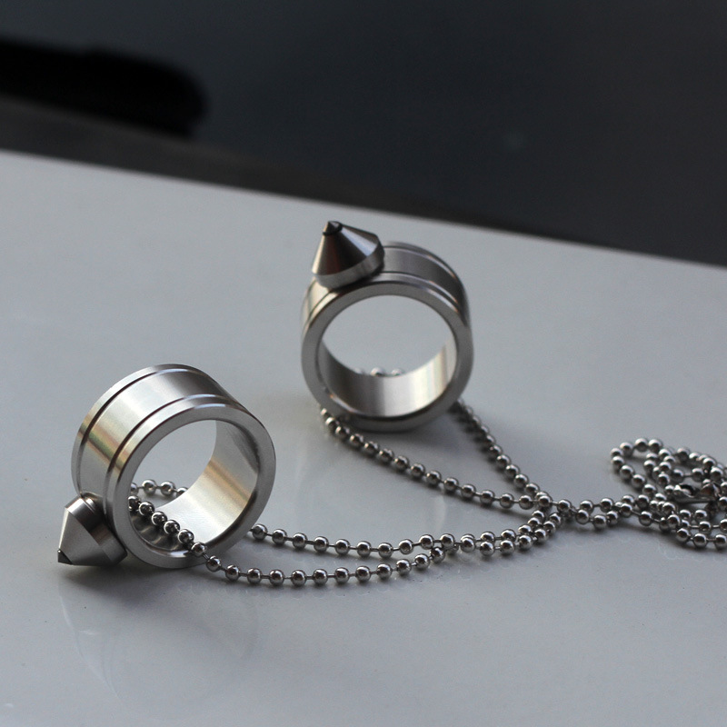 New Portable Stainless Steel Self Defense Ring For Women Men Safety Outdoor Self-defense Tool Glass Breaker Dropshipping 10pcs stainless steel self defense product shocker weapons ring survival ring tool pocket women self defense ring 4 colors