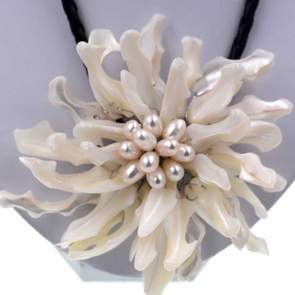 Noble Femminile Gioielli Big white sea shell choker del fiore bianco collana di perle Per Le Donne Gioelleria raffinata e alla moda Del Regalo Del Partito