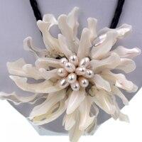 Noble Kadın Takı Büyük beyaz deniz kabuğu çiçek gerdanlık Kadınlar Için beyaz inciler kolye Moda Takı Parti Hediye
