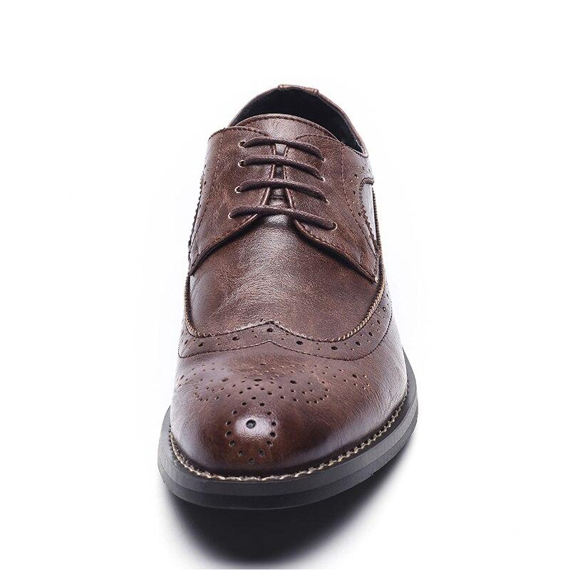 Casuais Do 44 Dedo Recém brown 38 chegados Masculinos Pé Tamanho Os Lace De Vintage Brogue Sapatos Respirável Up Dos Pontas Couro Homens Moda Negócios Black fq6Cqpw