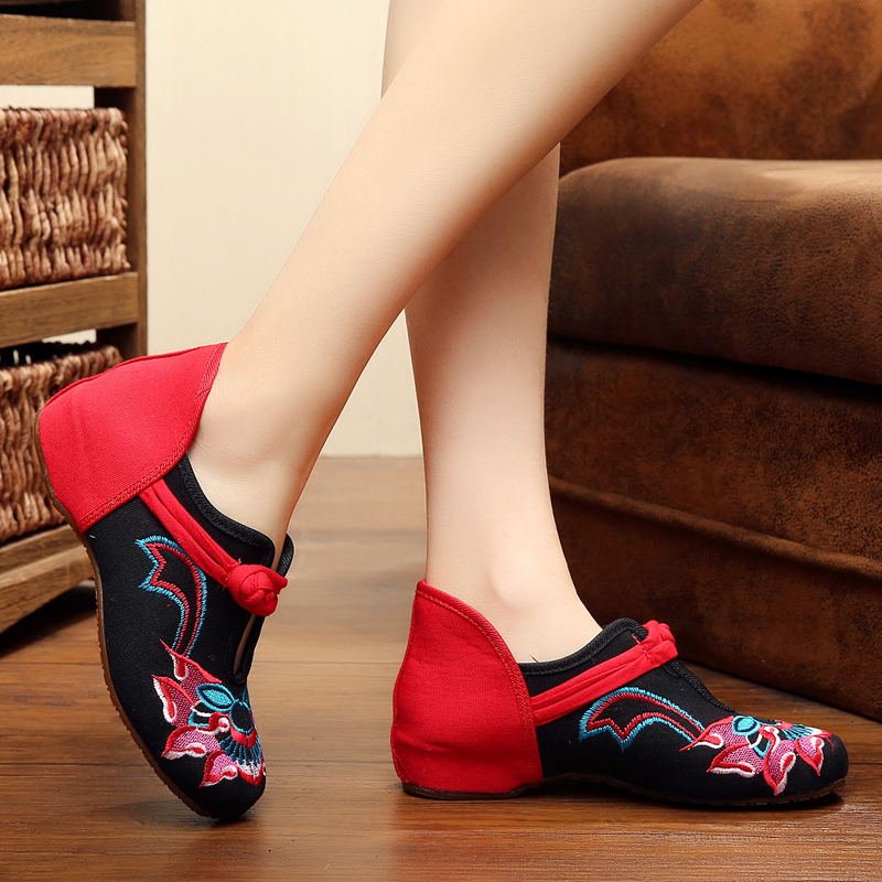 2018 Chinese Old Peking Spring Fashion Shoes Women Casual Flower Canvas Embroidery Cheap Shoes Comfprtable Cloth Flats vintage embroidery women flats chinese floral canvas embroidered shoes national old beijing cloth single dance soft flats