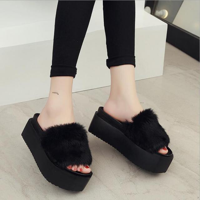 Women Fur Slides Flip Flops Furry Slippers Soft Flat Heel Sandals Slipony Slip On Soft Fur Slippers Thick Bottom Platform Shoes