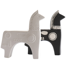 European Ceramic Horse Statue Crafts Animal Ornament Home Decoration Accessories Figurines Living Room Decor Wedding Gifts