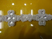 Free shipping wholesale iron on rhinestone applique bridal crystal ,lace applique patches motif Bridal Beaded Appliques