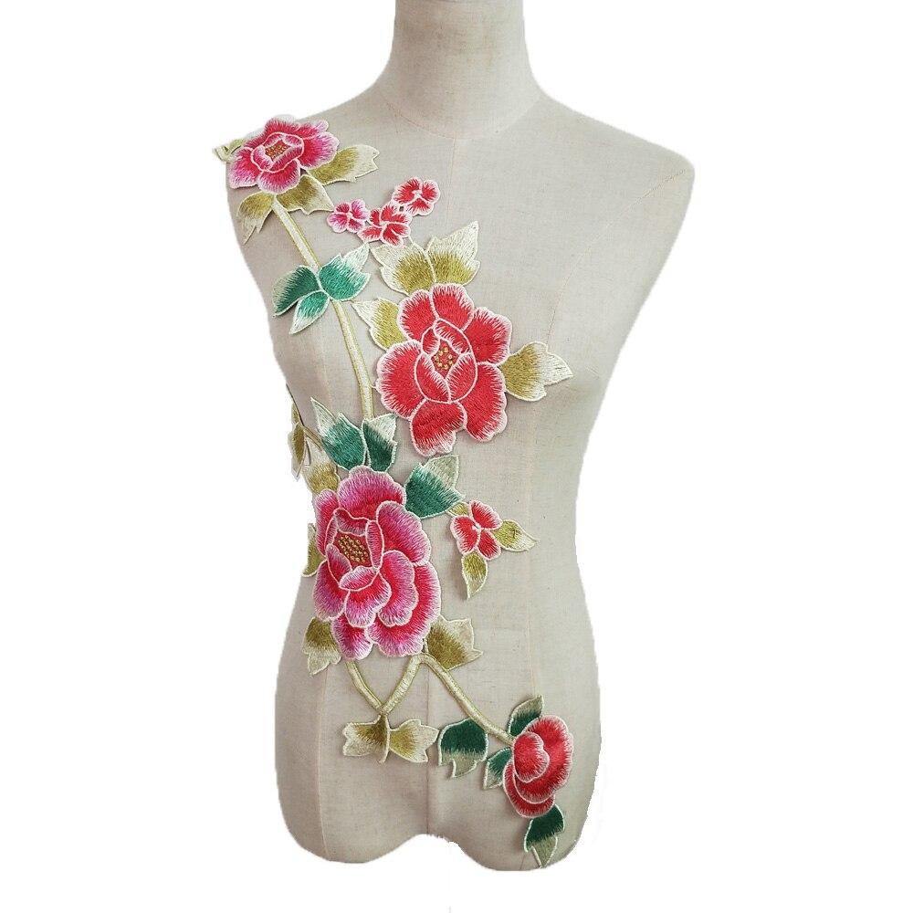 8dce03930a09 Venta caliente 1 par grande bordado Floral de encaje Collar recorte coser  ropa de encaje escote cuello apliques DIY Ropa Accesorios