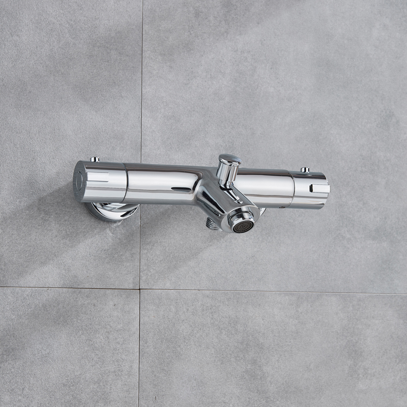 Thermostatic-Shower-Set-Dual-Handle-Rainfall-Bath-Shower-Mixers-with-Handshower-Wall-Mounted-Chrome-Shower-Mixer (4)