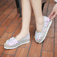 New Fashion Crystal Flower Loafers Espadrilles Flats Shoes Women Grass Weaving Style Top Quality Beach Causal