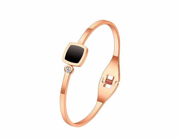 2019 ใหม่แฟชั่นไทเทเนียมเหล็ก rose gold บัลแกเรียสร้อยข้อมือคริสตัลจากบัลแกเรียผู้หญิงง่าย exaggeration ไม่จางหาย