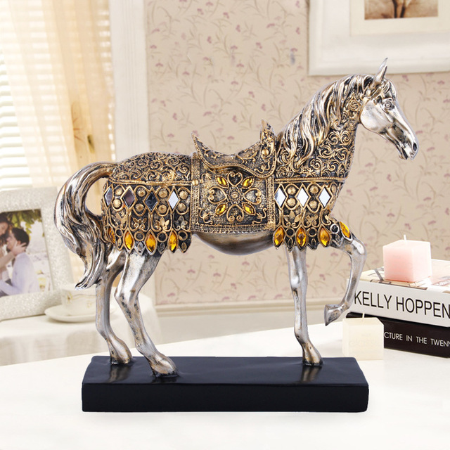 ERMAKOVA Modern Creative Resin Golden Walking Horse Figurine Statue Animal Sculpture Home Office Desktop Decoration Gift 1