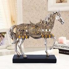 ERMAKOVA Moderno Creativo Della Resina Doro Passeggiate A Cavallo Figurine Statua Animale Scultura Home Office Decorazione Del Desktop Regalo