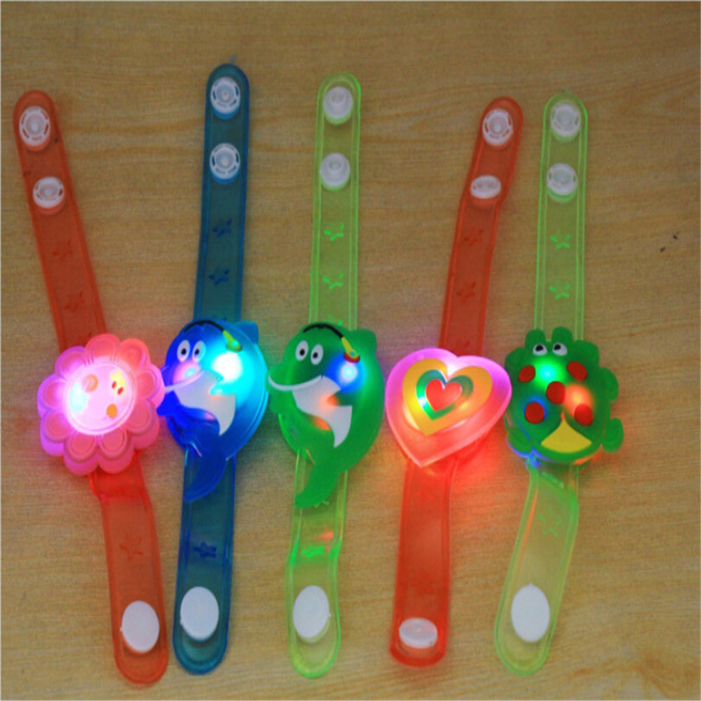 2018 Multicolor Light Flash Toys Wrist Hand Take Dance Party  High Quality Dinner Party Gift For Kid Random LED ColorLamps Light