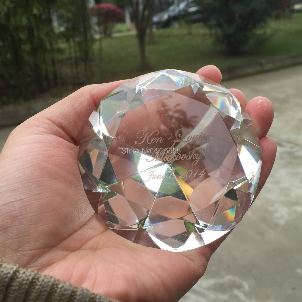Freies verschiffen 50 teile/los individuellen logogravur kristallglas diamant briefbeschwerer als hochzeitstag souvenir geschenke-in Party-Geschenke aus Heim und Garten bei  Gruppe 1