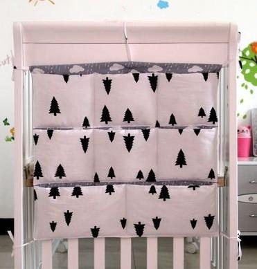 Promoción! gatito Mickey 62 * 52 cm 100% algodón cuna organizador para juguete pañal del bebé cuna colgando bolsa para juego de cama