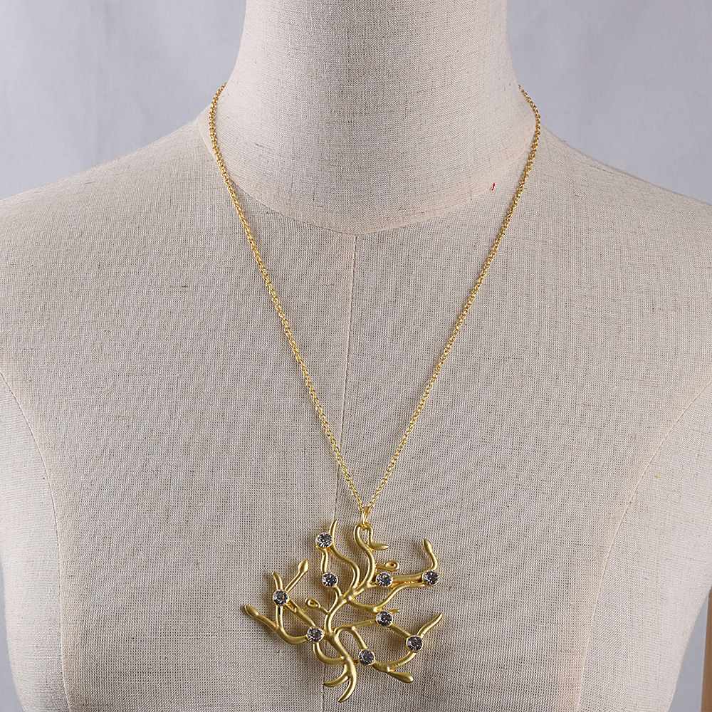 Cosplay New Movie Beauty And The Beast Rose Tree Pendant Necklace Prop Handmade Halloween Party