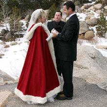 Fashion Gorgeous Cape Floor Length Women Faux Fur Trim Winter Bridal Cape Stunning Wedding Cloaks Hooded Long Party Wraps Jacket