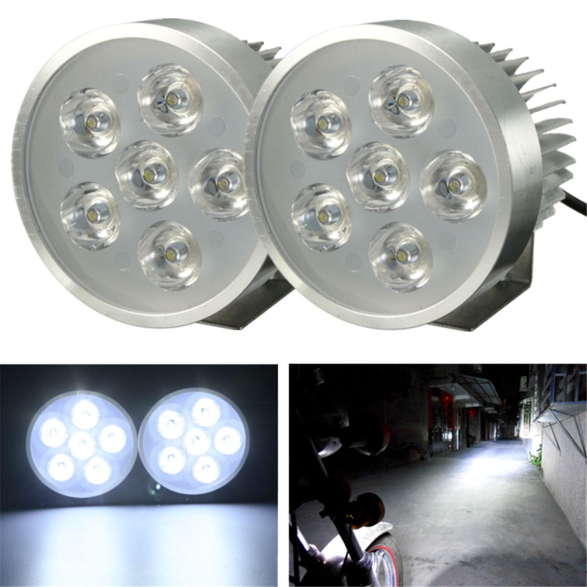 Prix pour 2 pcs Argent Moto Vélo 18 W 6 LED Phare Brouillard Spot Conduite Lumière Lampe 12-80 V Pour Honda/Suzuki