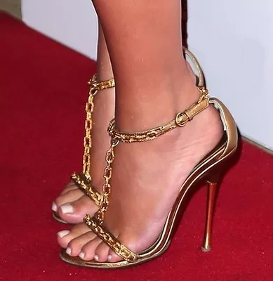Hot Sale Women Solid Gold Color Ankle Buckle T- Strap Sandals Metal Chain Decoration Cover Heel Dress Shoes High Thin Heels
