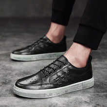 2018 Fashion new shoes men lace-up soft comfortable casual solid  platform for 5