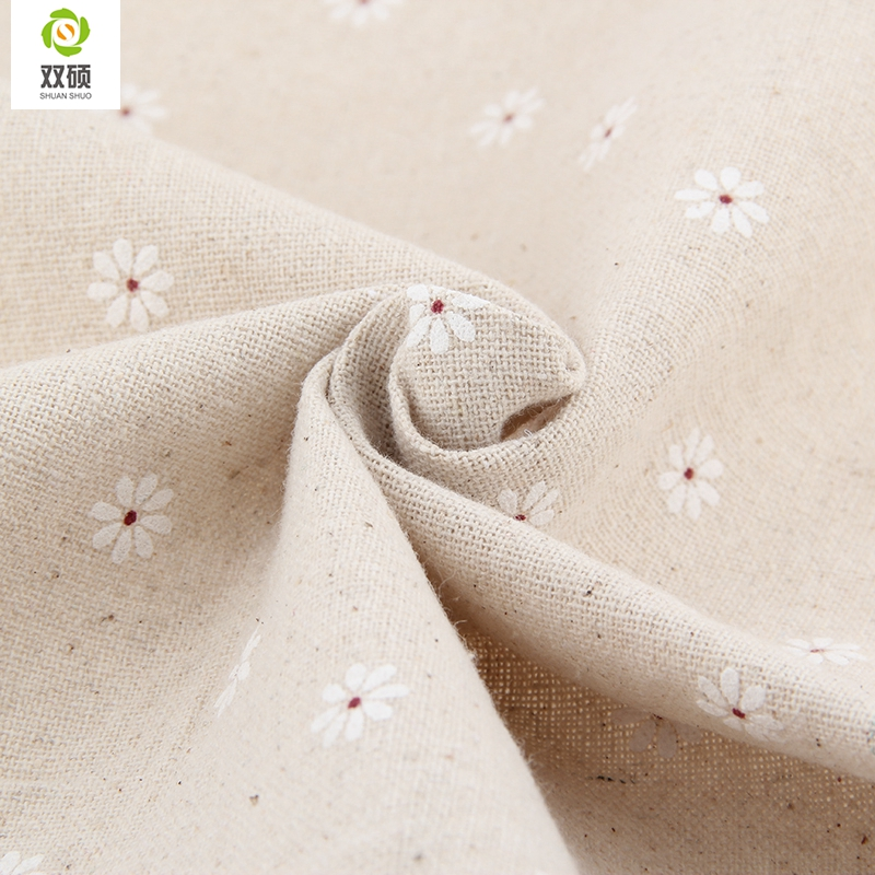 a69acb998 Ancho 155 cm envío gratis impreso algodón telas zakka pequeño blanco  Margarita flores para ropa de cama, cortinas, 155*50 cm M46