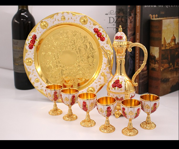 OUSSIRRO Russian Luxury Metal Hanging Sherbet Set Rack Sherbet Cup Holder Fashion Exquisit Castle pattern cup table decoration