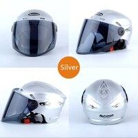 2018 New Helmet Motorcycle Helmet Full Face Safety Helmet Adjustable Size 28.5 cm * 23.5 cm * 19.0 cm Silver