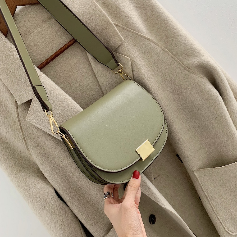 994851d0fdb US $17.48 40% OFF|Female Small Saddle Bag Crossbody Bags For Women 2019  Solid Color Messenger Bag Ladies Fashion Travel Handbags and Purses-in ...