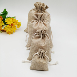 Image 2 - 100 unids/lote 7x9 15x20cm Vintage Natural arpillera Lino yute bolsa de regalo yute bolsa de embalaje de regalo bolsas de regalo con cordón para boda