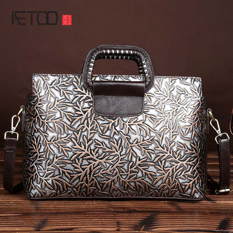 AETOO brand The new retro fashion handmade eraser embossed leather handbag Messenger bag shoulder bag fashion leather bag women