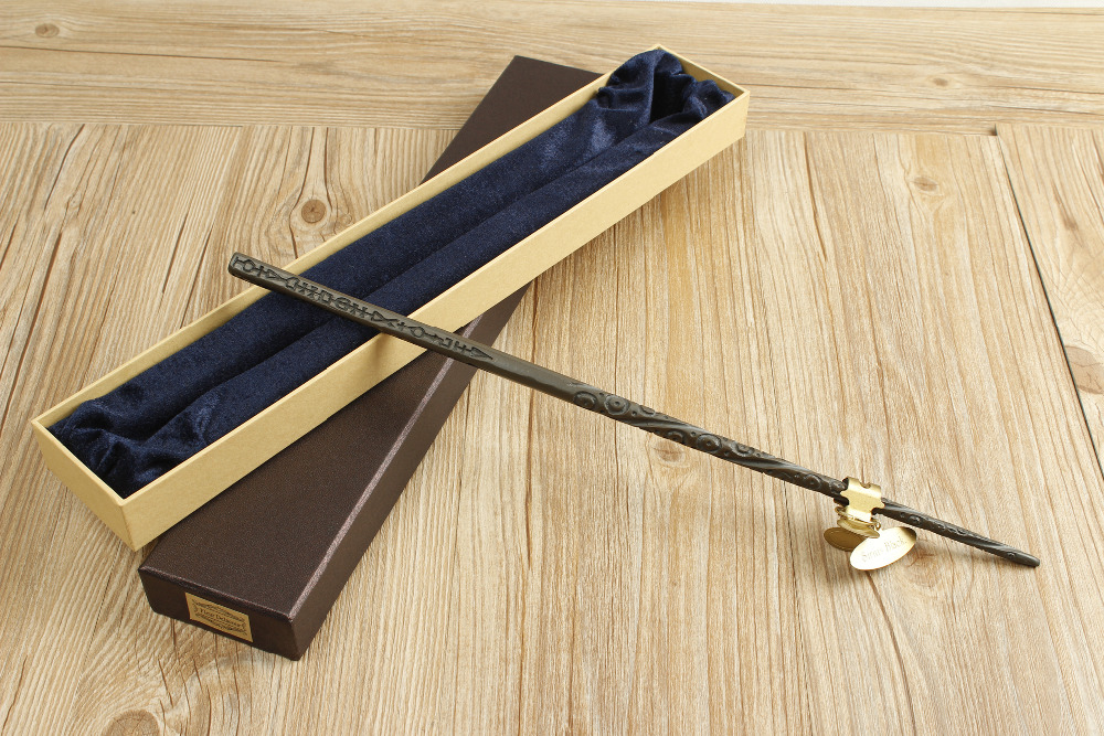 2016 With Iron Core New Quality Deluxe COS Sirius Black Magic Wand of Magical Wands with Gift Box Packing