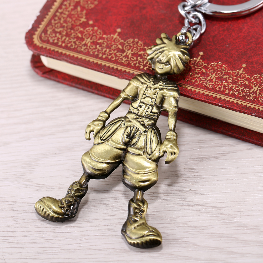 Online Game Kingdom Hearts Jewelry Cosplay Boy Sora Key Chains Figure Pendant Keychains Key Rings Alloy Gadgets Bronze&Silver
