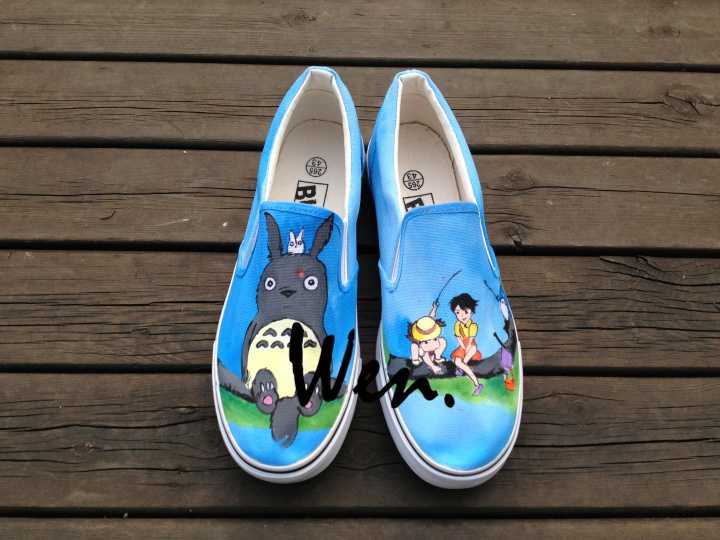 ФОТО Wen Anime Hand Painted Shoes Slip On Shoes Design Custom My Neighbor Totoro Women Men's Canvas Shoes for Christmas Gifts