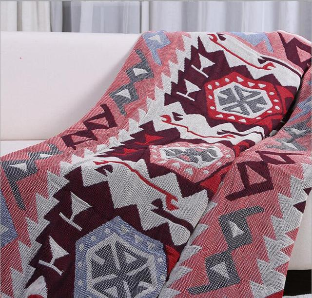 Retro Patterned Red Bedroom Blanket