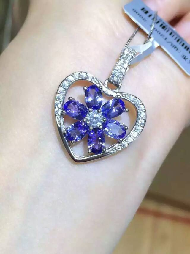 Natural tanzanite pendant S925 silver Natural gemstone Pendant Necklace trendy Elegant Romantic heart women party fine jewelry