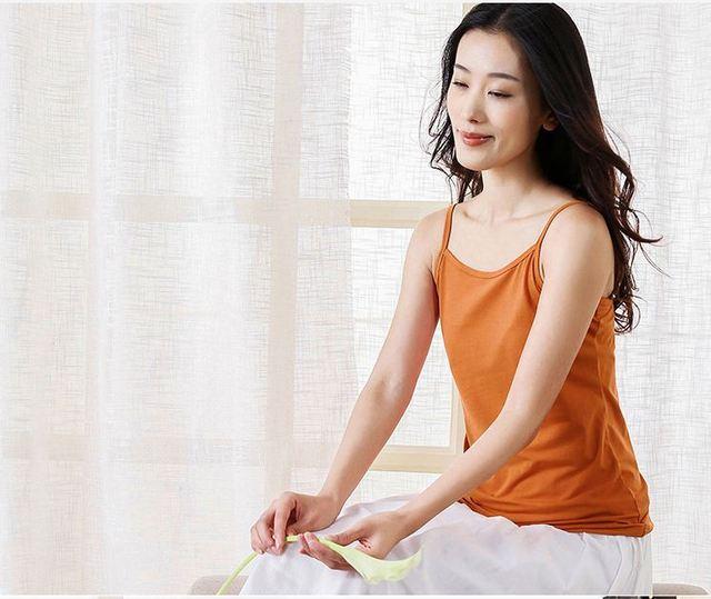 Safra de primavera tecido tiras do sutiã tamanho grande das mulheres colete de algodão t-shirt sem mangas