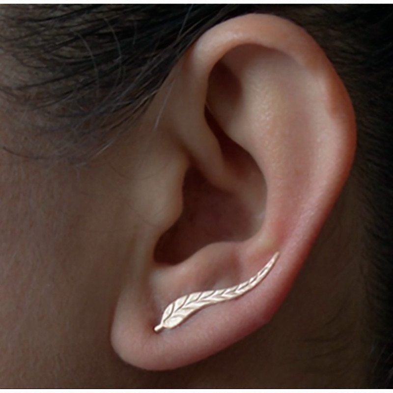 2016 vintage jewelry exquisite gold plated leaf earrings modern beautiful feather stud earrings for women e02