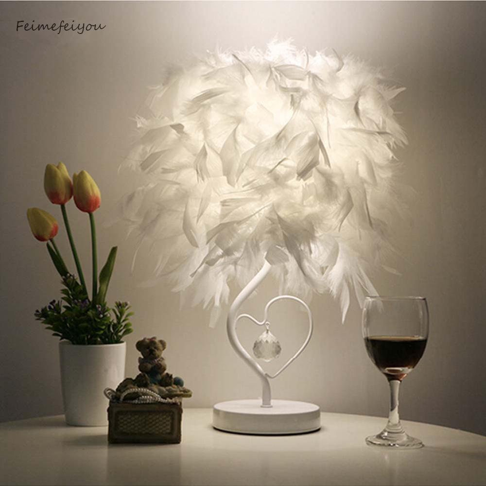 lamparas de mesa para el dormitorio Mesita de noche de Feimefeiyou sala de estar lámpara de mesa de cristal de pluma en forma de corazón con enchufe de Reino Unido AU enchufe pequeño tamaño lampara de mesa