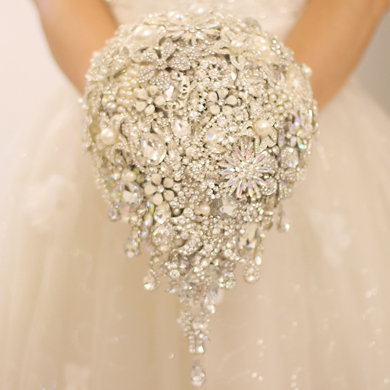 Luxurious Drop Shape Wedding Bouquet Handmade Jewelry Crystal Pearls Bride Bouquet Bridal Holding Flowers Brooch Accessories