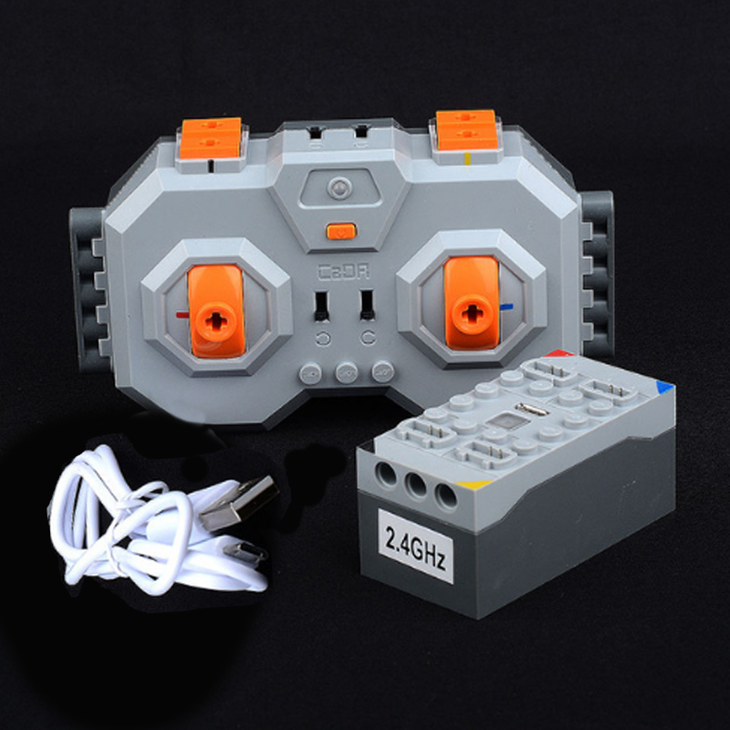 MOC Legoinges Building Blocks Lithium battery (rechargeable) + 4 remote control Lithium battery can connect 4 PF 8878-1 54599MOC Legoinges Building Blocks Lithium battery (rechargeable) + 4 remote control Lithium battery can connect 4 PF 8878-1 54599