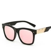 Classic Fashion Feminine Brand Designer Sunglasses Solid Color Frames Gradient Lenses Polarized Polarized Glasses Seven