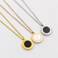 TYME Black And White Shell Gold Color Pendant Fashion Double Letters Round Rome Rome Digital Necklace