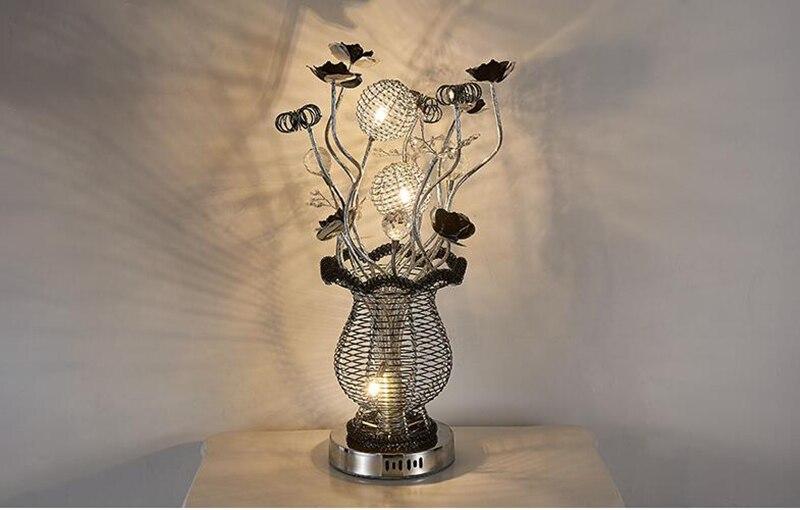 Aluminum String Flower Vase Table Lamp