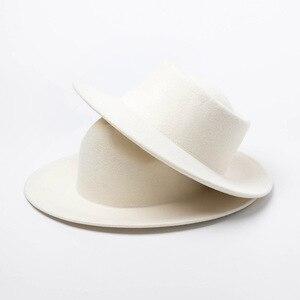 Image 2 - 여자 100% 양모 펠트 모자 화이트 와이드 브림 페도라 웨딩 파티 교회 모자 돼지 고기 파이 페도라 모자 플로피 더비 트리비 모자 기지