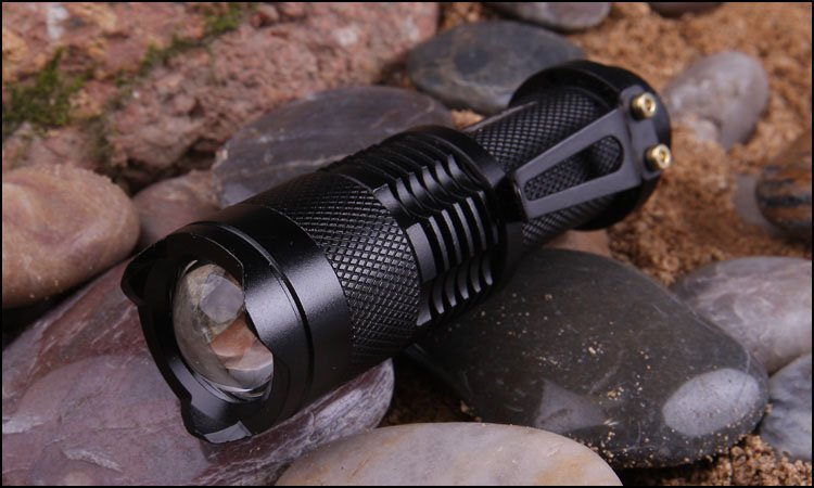 High-quality Mini LED Flashlight Black CREE Q5 2000LM Waterproof LED Laterna 3 Modes Zoomable PortableTorch penlight AA 14500