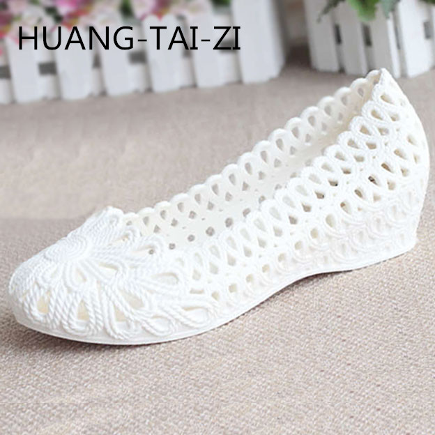 Jelly Sandals Summer White Plastic Wedge Sandals Female Feet Small White Shoes Slip Comfortable Nurse Shoes Mother Work Shoes