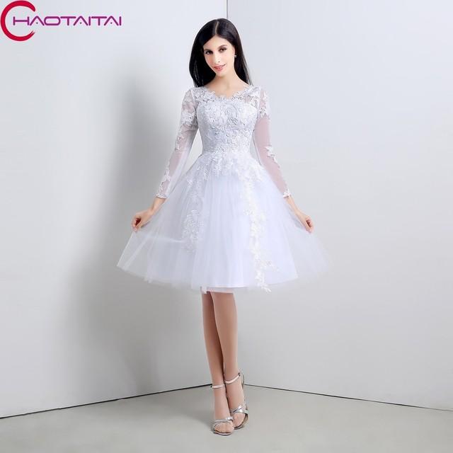 f23ad2222fc Élégante robe de Bal Pas Cher Manches Longues Robes De Mariage Naturel Genou  Longueur Avec Dentelle